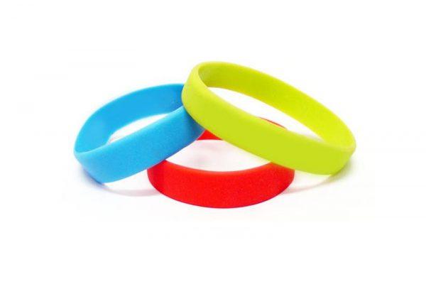 Custom-Wristbands-UK-PLAIN-blank